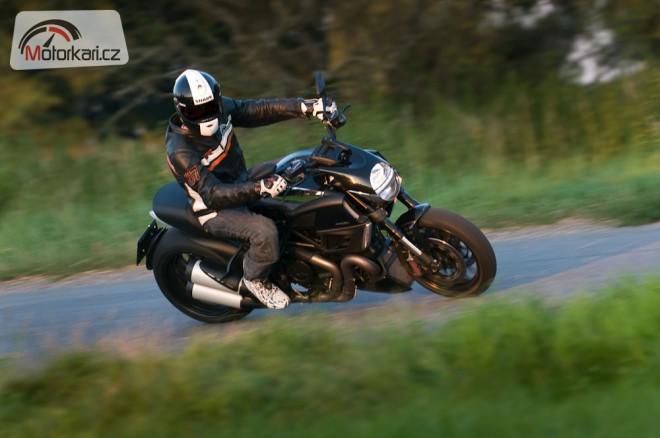 Ïáblovo štokrle - Ducati Diavel