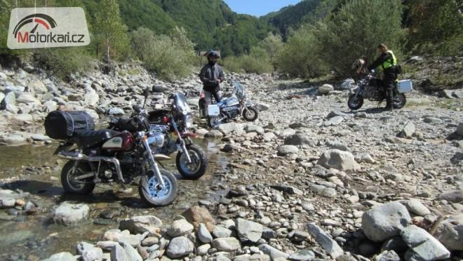 Dácií na modelech motocyklù aneb Rumunsko 2012