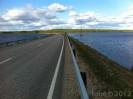 silnice mezi jezery