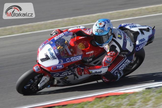 Tovární tým Ducati s Checou a Badovinim