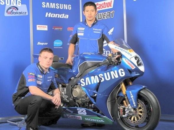 Tým Samsung Honda s A. Lowesem a Kiyonarim
