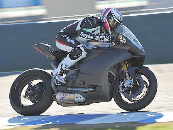 Testu Alstare Ducati nepøálo poèasí