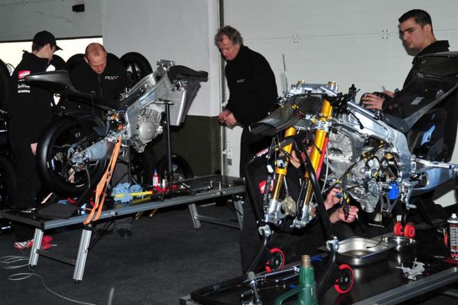 Kornfeil�v nov� t�m RW Racing: Ohrani�en� rozpo�et, ale kvalitn� z�vodn� materi�l
