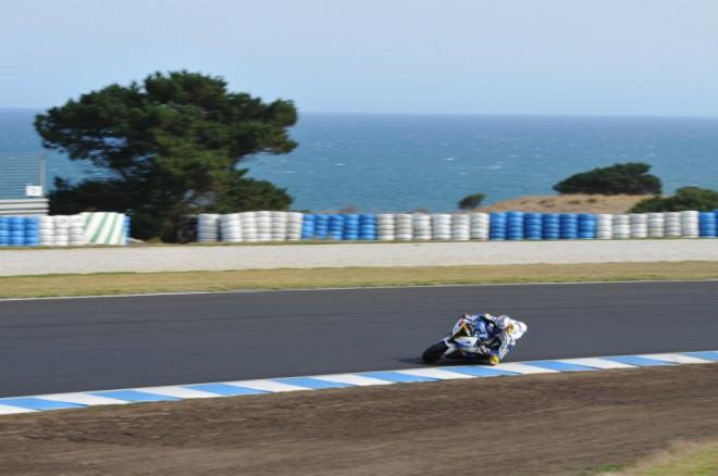 Skonèily dvoudenní testy superbikù v Austrálii