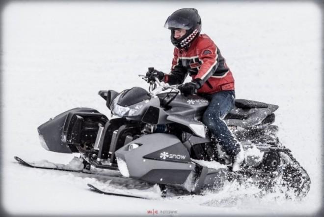 Triazuma Snow: 200 koní na snìhu