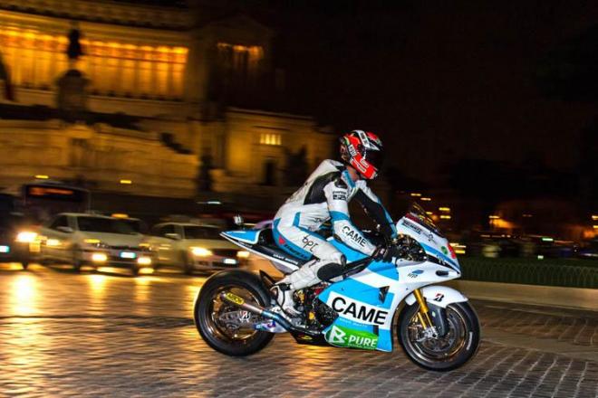 Danilo Petrucci: V noci s bikem ve st�edu ��ma