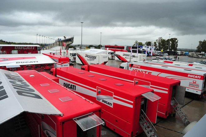 Jerez-Test: Kvùli dešti je na trati klid