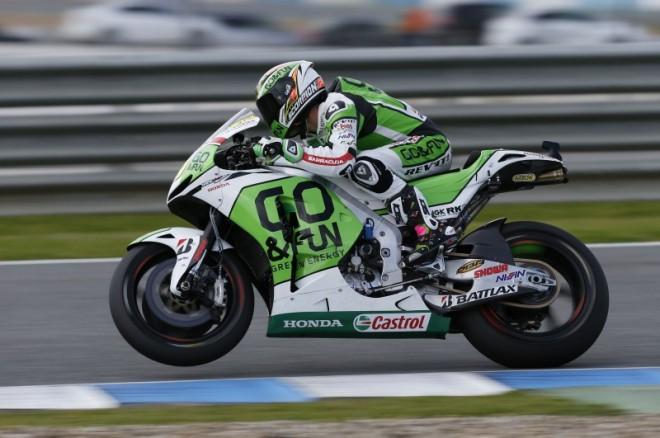 Alvaro Bautista se v Jerezu zranil