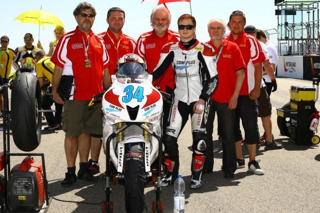 Com Plus SMS Racing: Pouhé 4/10 od bodu