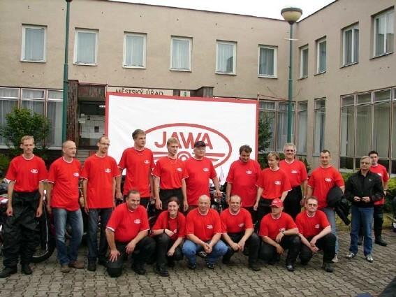 Muži (a ženy) na Jawách 2010