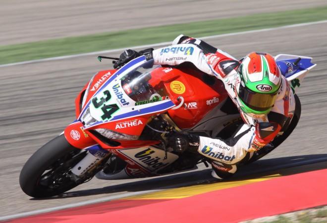 Superbikovou kvalifikaci vyhrál Giugliano