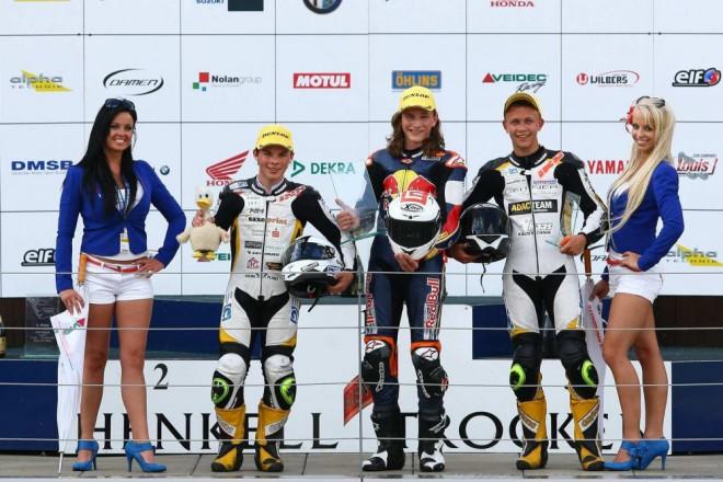 Hanika vyhrál kvalifikaci a první závod
