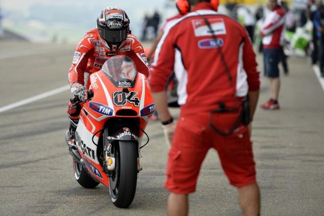 U Ducati mìli mechanici plné ruce práce