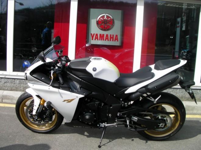 Odcizená Yamaha YZF-R1