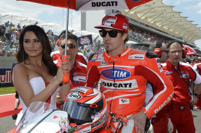 Po leto�n� sezon� Hayden u Ducati kon��