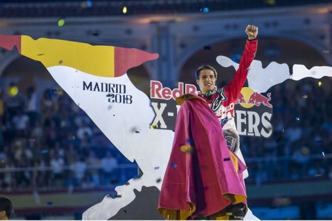 V Madridu ovládl Tom Pages X Fighters a je šampionem