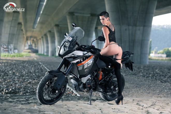Zuzana a KTM 1190 Adventure