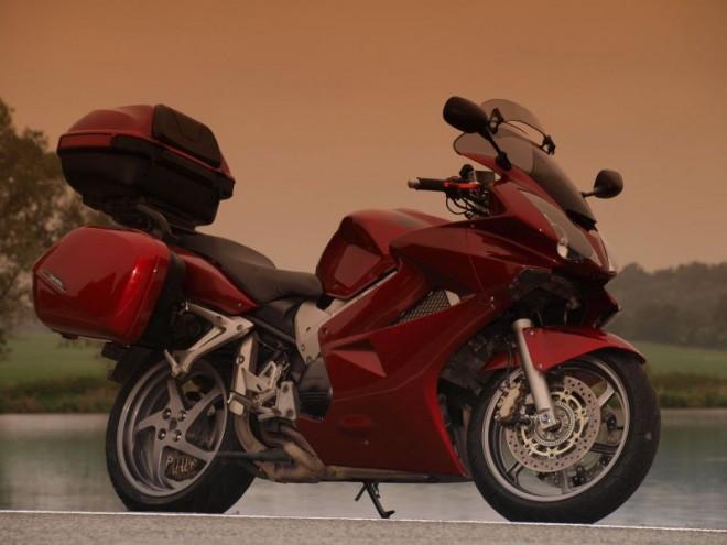 Honda VFR800 VTEC po 100 000 km