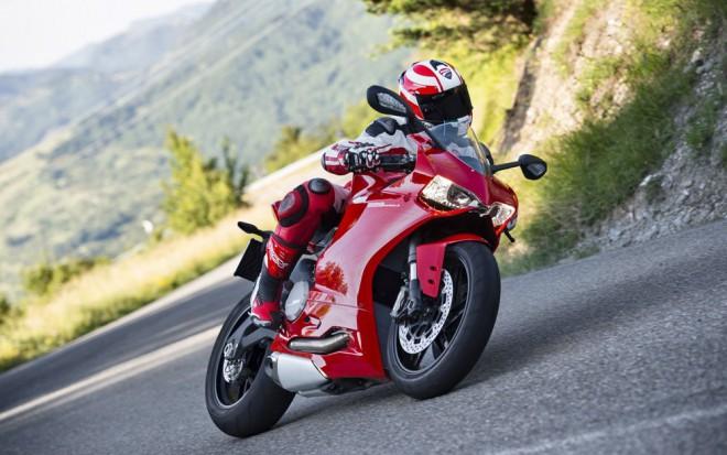 Ducati 899 Panigale - první fotky a info