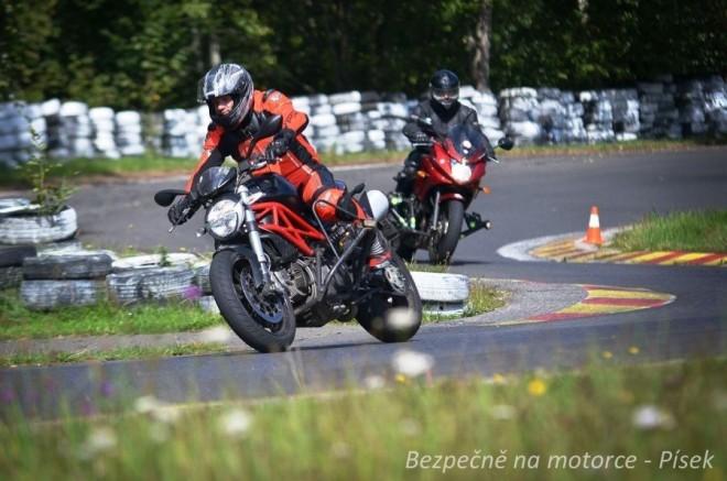 Bezpe�n� na motorce - �Riding party� - P�sek