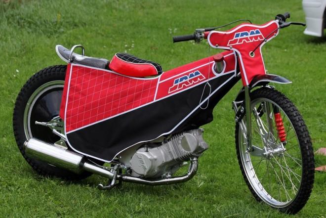JRM nebo Jawa, prostì plochodrážní motorky jsou zpìt na oválech!