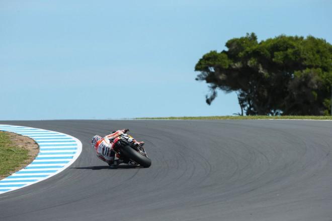 MotoGP s povinnou zastávkou v boxech