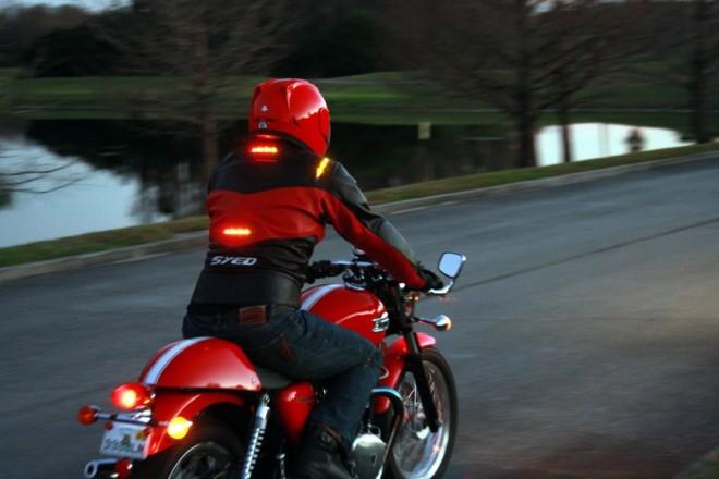 Impulse Jackets, bundy se svìtelnou signalizací