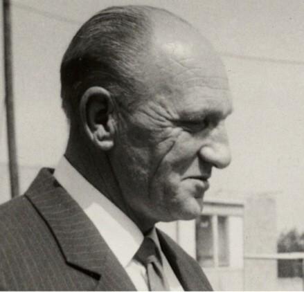 Zemøel Miroslav Èada