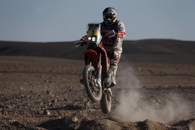 Honda vyhrávala na Dakaru etapy, ale na vrchol nedosáhla