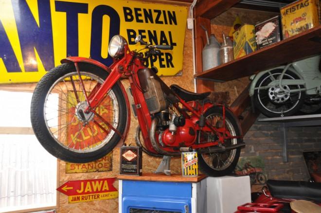 Èeskoslovenské motocykly v moto muzeu Pavlíkov