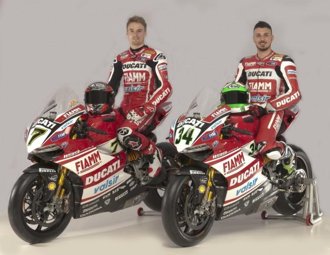 Ducati Superbike Team s Daviesem a Giuglianem