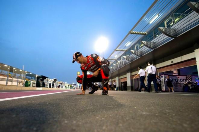 Startovní rošt MotoGP s tøiadvaceti jezdci