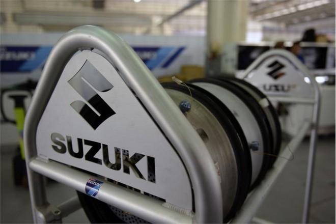 Suzuki: Je tøeba pøehodnotit strategie