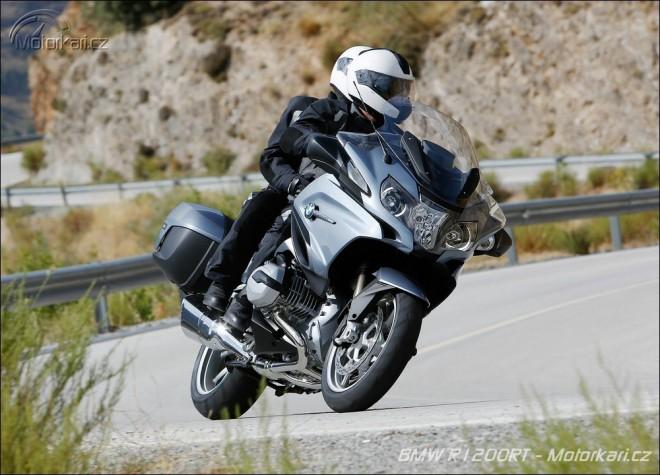 Motocyklem roku 2014 je BMW R1200RT