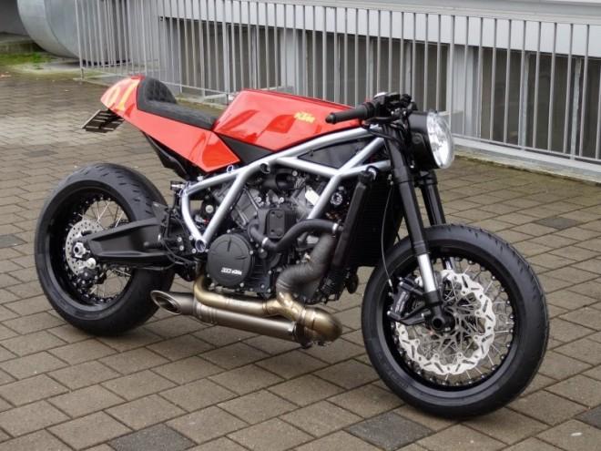 Pøestavba KTM RC8