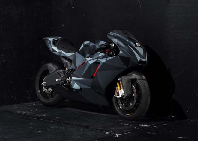 Ducati Desmosedici RR v hávu Black Polygon