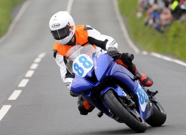 TT: Bob Price pøišel o život v závodu tøídy Supersport