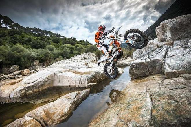 Testujeme endura KTM EXC 2015