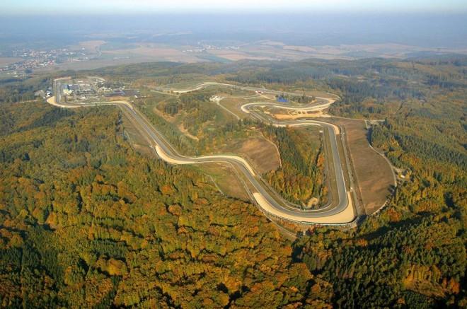 Brno Grand Prix Revival s jezdeck�mi legendami zlat� �ry
