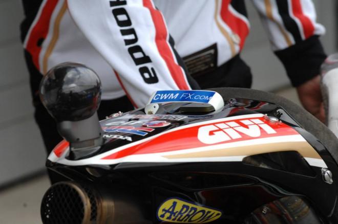 Crutchlow v roce 2015 s týmem CWM-LCR Honda