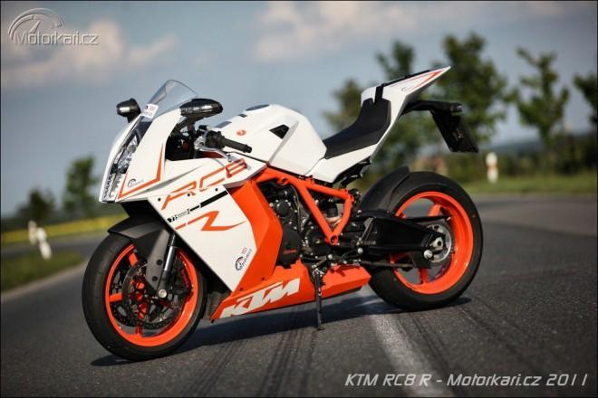 KTM nahradí RC8 okruhovým speciálem RC16