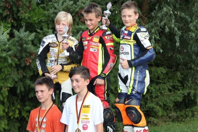 Tým Compos Racing slavil v Templinu bronz