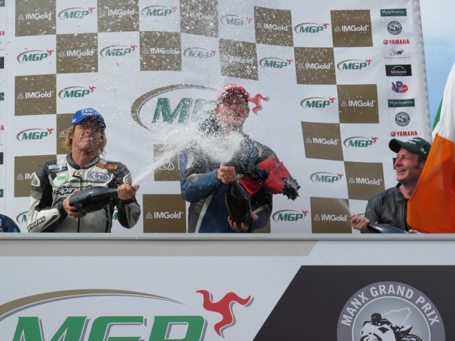 Manx GP: SuperTwin a Lightweight vyhr�l Neesom s Jordanem