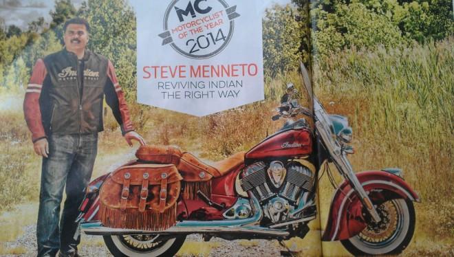 Motorkáø roku Steve Menneto se svým Indiánem a Victory