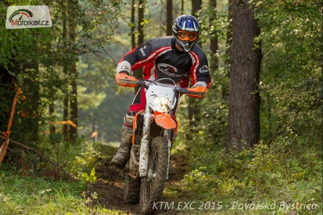 KTM EXC 2015 - ve stupaèkách nových endur