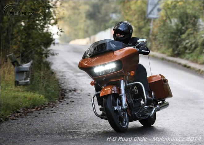 Harley-Davidson Road Glide - za horizont v�edn�ch dn�