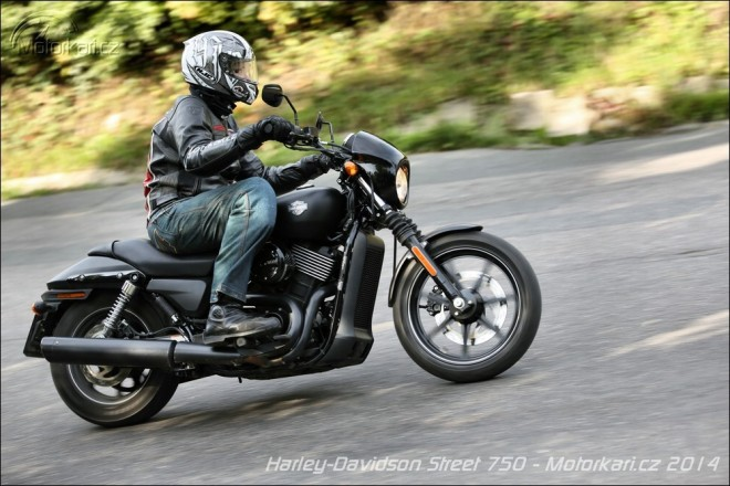 Harley-Davidson Street 750: velký prcek z Indie