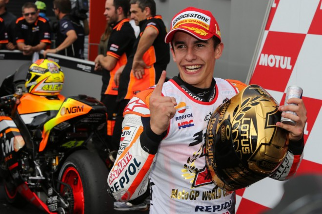 Obrazem: Marc M�rquez slav� druh� titul MotoGP