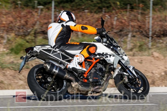 Spy photo: nástupce KTM 990 SMT