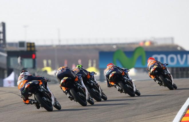 Rookies Cup 2015 s tøinácti závody a ètyøiadvaceti závodníky